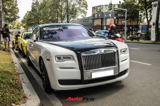 Dàn xe sang hội ngộ tại Sài Gòn cuối tuần: Rolls-Royce Ghost có ngoại hình đặc biệt gây chú ý - Ảnh 2.