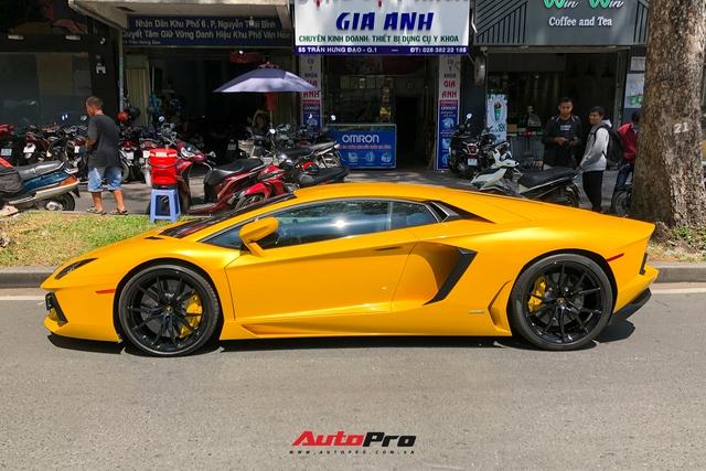 Lamborghini Aventador LP700-4 đầu tiên tại Việt Nam với biển số tứ quý 9 tái xuất trên phố Sài Gòn sau hơn một năm ẩn mình - Ảnh 2.