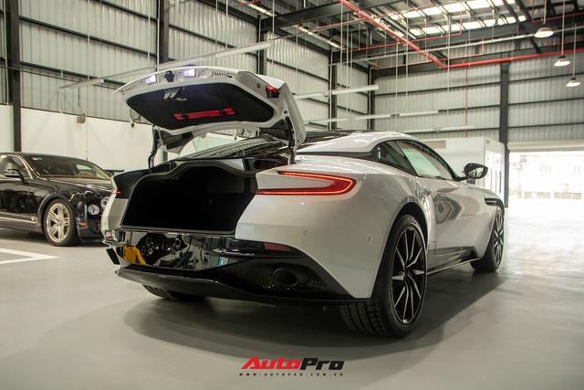 Cận cảnh Aston Martin DB11 màu trắng Morning Frost tại Sài Gòn với giá niêm yết hơn 15 tỉ đồng - Ảnh 17.