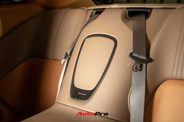 Cận cảnh Aston Martin DB11 màu trắng Morning Frost tại Sài Gòn với giá niêm yết hơn 15 tỉ đồng - Ảnh 12.