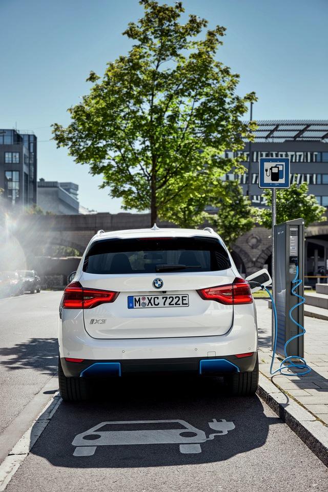 Ra mắt BMW iX3 - Chương sử SUV mới của BMW - Ảnh 1.