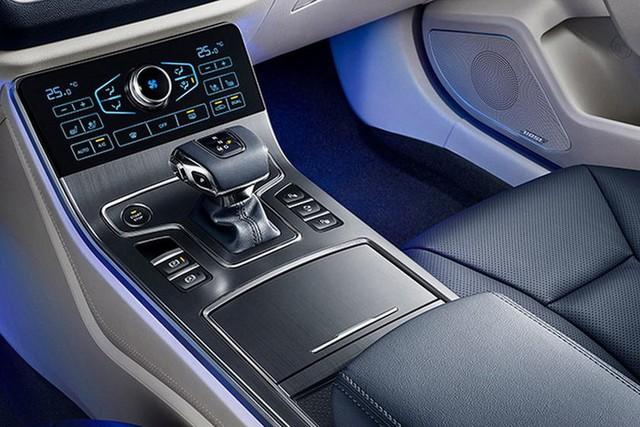 Đây là mẫu xe sang Hongqi dùng chung khung gầm Mazda6 vừa ra mắt tại Trung Quốc - Ảnh 3.