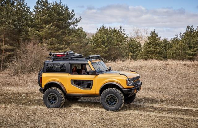 Ford Bronco chính thức chào sân: Trở lại để thống trị thị trường SUV off-road - Ảnh 3.