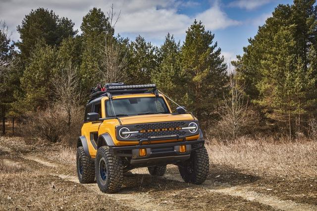 Ford Bronco chính thức chào sân: Trở lại để thống trị thị trường SUV off-road - Ảnh 4.