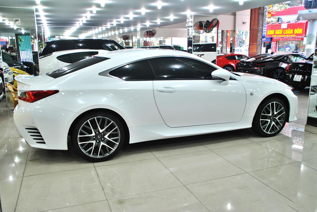 Xe chơi hàng độc Lexus RC 350 F-Sport bán lại giá 2,8 tỷ đồng, tình trạng sử dụng gây ngạc nhiên - Ảnh 2.
