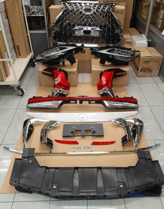 Rộ thú chơi độ Toyota Alphard giống y chang Lexus LM giá chục tỷ - Ảnh 2.