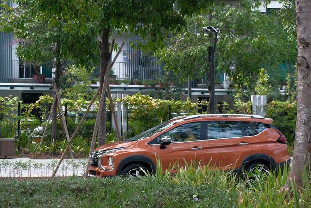 'Tóm gọn' Mitsubishi Xpander Cross trên phố trước ngày ra mắt - Ảnh 1.