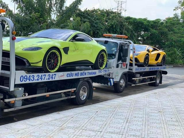 Vừa ra biển số cho Bentley Bentayga, đại gia Hoàng Kim Khánh mang bộ đôi siêu xe độ khủng ra Hà Nội - Ảnh 1.