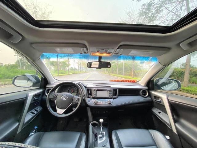 7 năm chạy gần 100.000km, Toyota RAV4 vẫn đắt ngang Mazda CX-5 đập hộp - Ảnh 3.