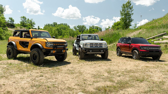 So sánh Ford Bronco vs Bronco Sport: Khác biệt không chỉ từ tên gọi - Ảnh 1.