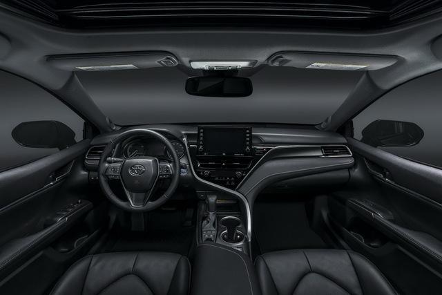 Ra mắt Toyota Camry 2021: Bổ sung công nghệ an toàn, đấu Honda Accord và Mazda6 - Ảnh 4.