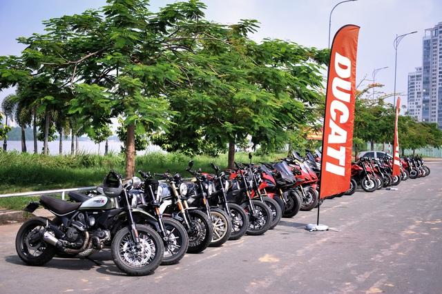 Dàn Ducati hơn 80 chiếc quy tụ tại Sài Gòn: Nhiều mô tô tiền tỷ xuất hiện - Ảnh 9.