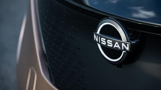 Nissan chính thức sử dụng logo mới