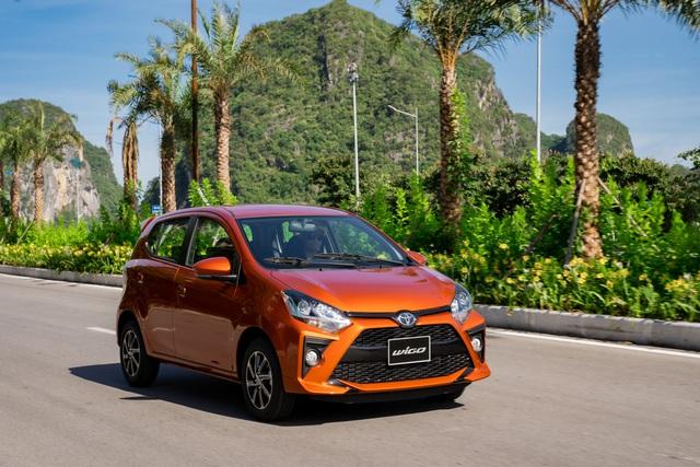 Toyota Wigo 2020 giá từ 352 triệu đồng tại Việt Nam: Thêm trang bị, bản AT giảm 21 triệu đồng, chạy đua để đối đầu VinFast Fadil - Ảnh 1.