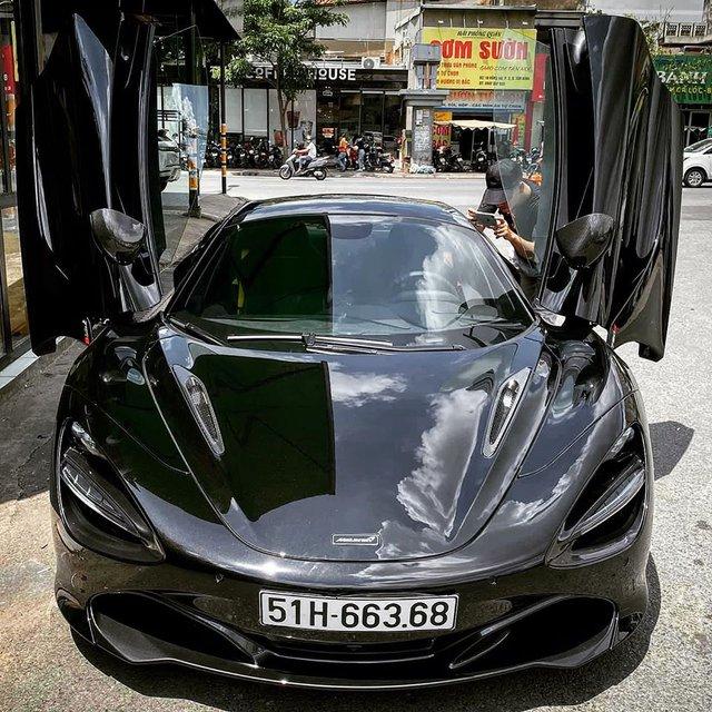 Siêu xe McLaren 720S Spider màu đen của đại gia Sài thành đã có biển số - Ảnh 1.