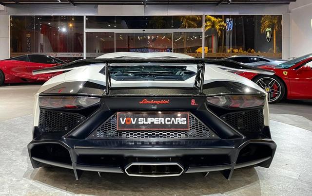 Độ phiên bản kỷ niệm 50 năm chưa đủ, chủ xe Lamborghini Aventador tiếp tục nâng cấp nội thất với hàng loạt chi tiết Alcantara - Ảnh 5.