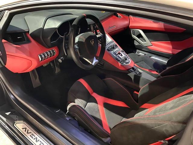 Độ phiên bản kỷ niệm 50 năm chưa đủ, chủ xe Lamborghini Aventador tiếp tục nâng cấp nội thất với hàng loạt chi tiết Alcantara - Ảnh 3.