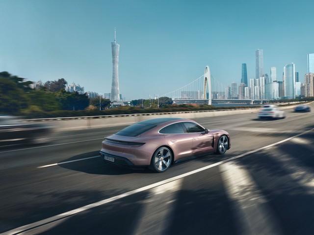 Mãi chưa ra mắt chính thức ở Việt Nam, Porsche Taycan lại có thêm phiên bản mới  - Ảnh 3.