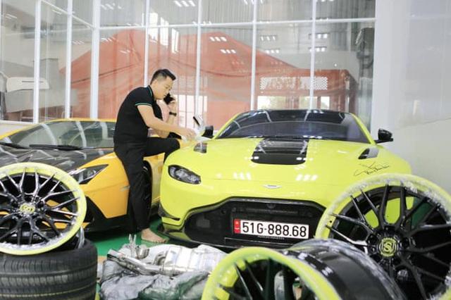 Độ chất của garage triệu USD nhà đại gia Hoàng Kim Khánh: Hầu hết hàng chính hãng, độc và hiếm, biển số đẹp và đều có ý đồ - Ảnh 6.