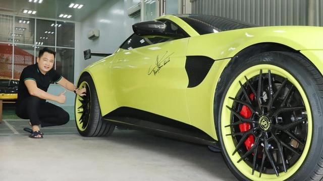 Nếu còn xe, đại gia Hoàng Kim Khánh có thể ký tên lên Lamborghini Sián Roadster mà không cần tự làm như với Aventador S - Ảnh 7.