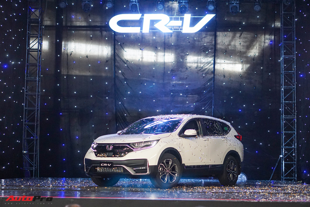 Xuất xưởng Honda CR-V lắp ráp: Giảm phí trước bạ 50%, bổ sung nhiều công nghệ an toàn lấn át đối thủ - Ảnh 1.