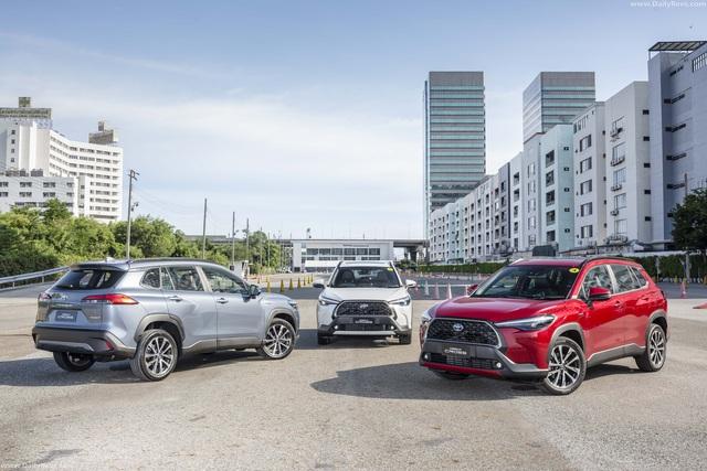 Rò rỉ lịch ra mắt Toyota Corolla Cross và giá dự kiến từ 770 triệu đồng tại Việt Nam - Ảnh 2.