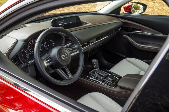 Mazda CX-30 nâng cấp, tăng sức cạnh tranh Kia Seltos đang làm mưa, làm gió - Ảnh 3.