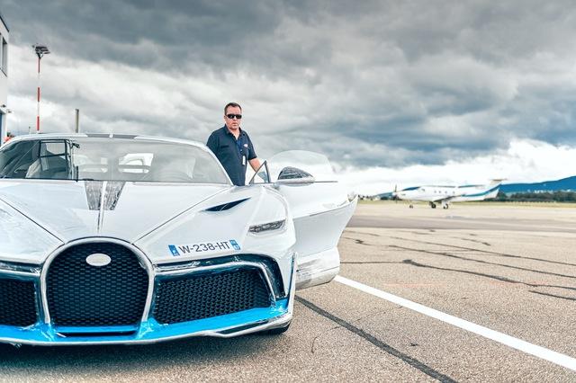 Kỳ công bàn giao siêu phẩm Bugatti Divo: Bọc 8 m2 phim bảo vệ, tái thử nghiệm hàng loạt trang bị - Ảnh 2.