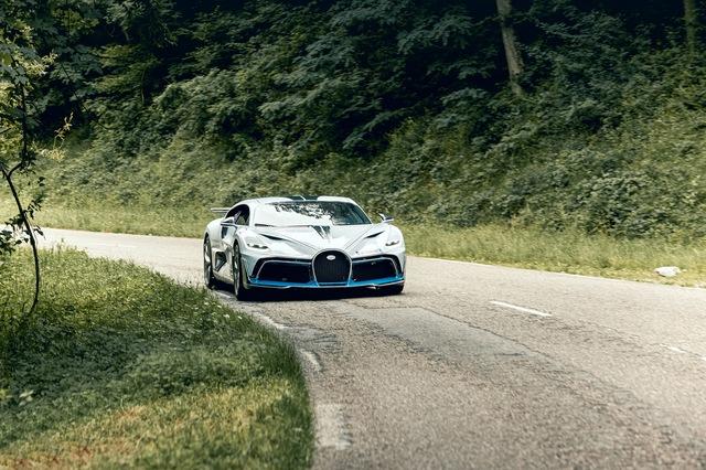 Kỳ công bàn giao siêu phẩm Bugatti Divo: Bọc 8 m2 phim bảo vệ, tái thử nghiệm hàng loạt trang bị - Ảnh 3.