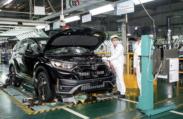 Giảm 50% phí trước bạ: Nhiều hãng xe bỏ nhập khẩu quay trở lại lắp ráp - Ảnh 2.
