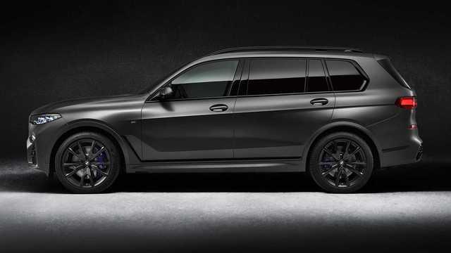 Ra mắt BMW X7 Dark Shadow Edition: Đen toàn tập, 600 xe có cơ hội cho đại gia Việt  - Ảnh 1.