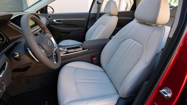 Hyundai Sonata thế hệ mới thêm nâng cấp công nghệ đấu Toyota Camry - Ảnh 3.