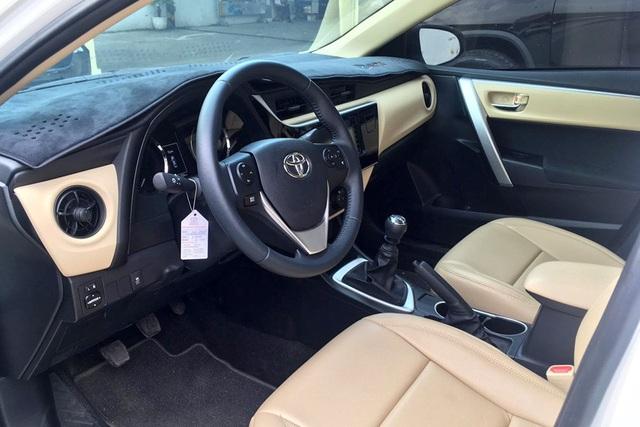 Đón bản mới, Toyota Corolla Altis dọn hàng tồn giảm giá thấp kỷ lục, còn từ 590 triệu đồng - Ảnh 2.