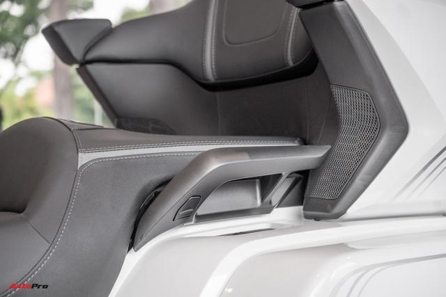 Chuyên cơ hai bánh Honda Gold Wing 2020 đầu tiên về Việt Nam: Có túi khí, Cruise Control như ô tô, giá 1,2 tỷ đồng - Ảnh 4.