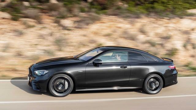 Mercedes-Benz sẽ có CLE dẫn động cầu sau nằm giữa C-Class và E-Class - Ảnh 1.