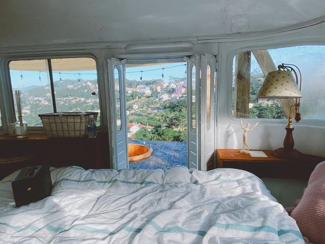 Chàng trai trẻ chi 300 triệu đồng biến xe bus đồng nát thành căn hộ đầy sang chảnh - Ảnh 6.