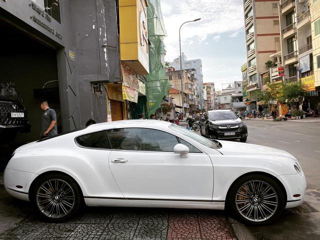 Mỗi năm chạy chưa tới 5.000 km, Bentley Continental GT Speed đời 2006 được bán lại với giá 2,8 tỷ đồng - Ảnh 2.