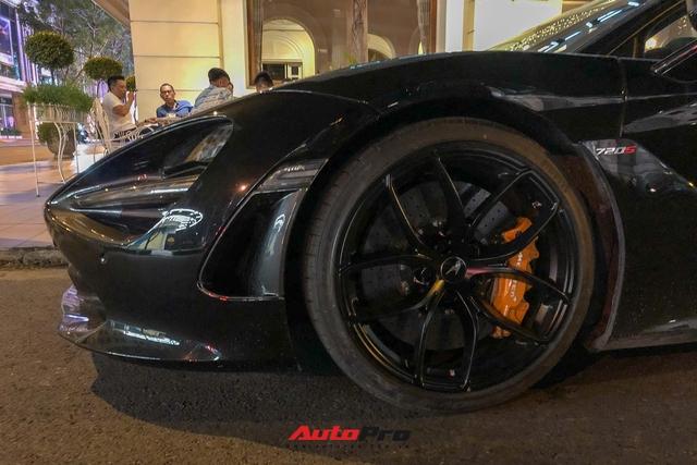 Cận cảnh McLaren 720S Spider màu đen bóng độc nhất Việt Nam - Ảnh 4.