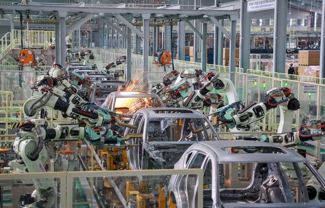 Miễn thuế, giảm phí giúp công nghiệp ô tô Việt Nam hồi sinh - Ảnh 3.