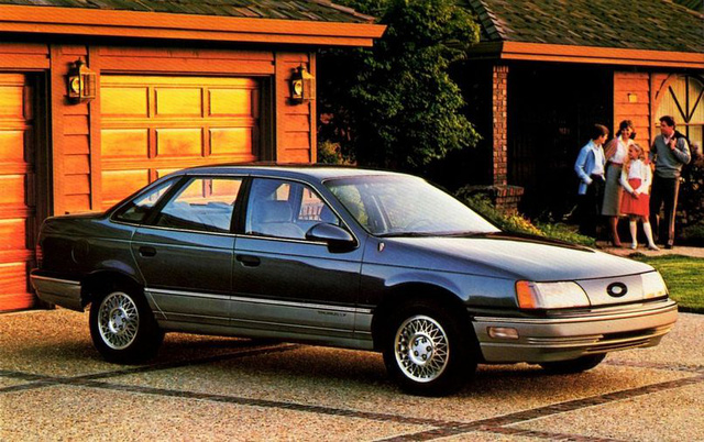 Những chiếc xe vĩ đại nhất mọi thời đại: Thập niên 80 lồng ghép mọi thứ chẳng liên quan vào trong một cỗ máy tinh tế - Ảnh 6.