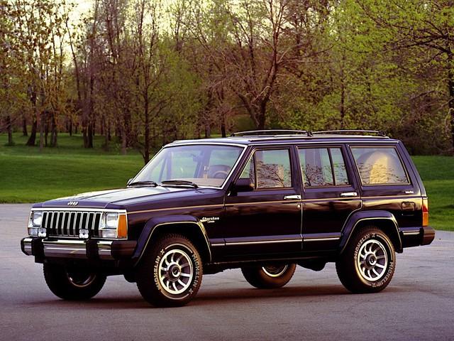 Những chiếc xe vĩ đại nhất mọi thời đại: Thập niên 80 lồng ghép mọi thứ chẳng liên quan vào trong một cỗ máy tinh tế - Ảnh 3.