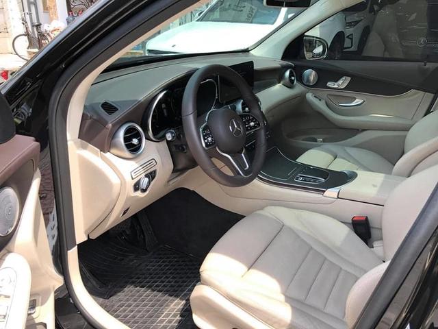 Kỳ công độ cửa hít, mâm lớn, chủ nhân Mercedes-Benz GLC 300 AMG bán xe khi vừa chạy 8.000 km - Ảnh 4.
