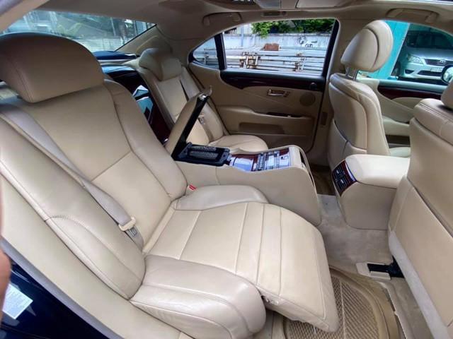 Qua thời đỉnh cao, Lexus LS 460L xuống giá rẻ ngang đàn em Toyota Camry, ODO là chi tiết đáng chú ý - Ảnh 4.