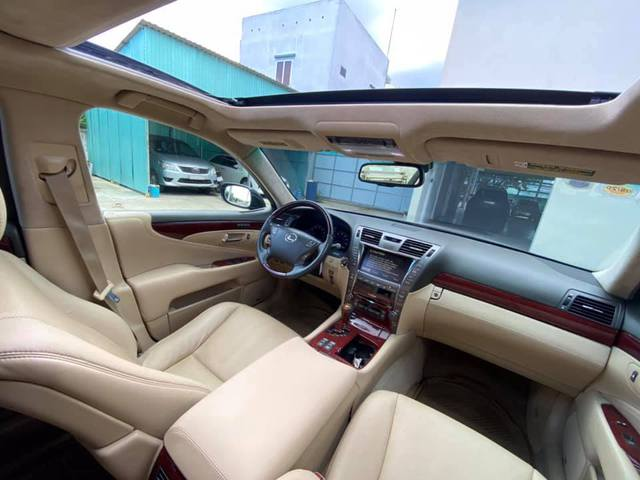 Qua thời đỉnh cao, Lexus LS 460L xuống giá rẻ ngang đàn em Toyota Camry, ODO là chi tiết đáng chú ý - Ảnh 3.