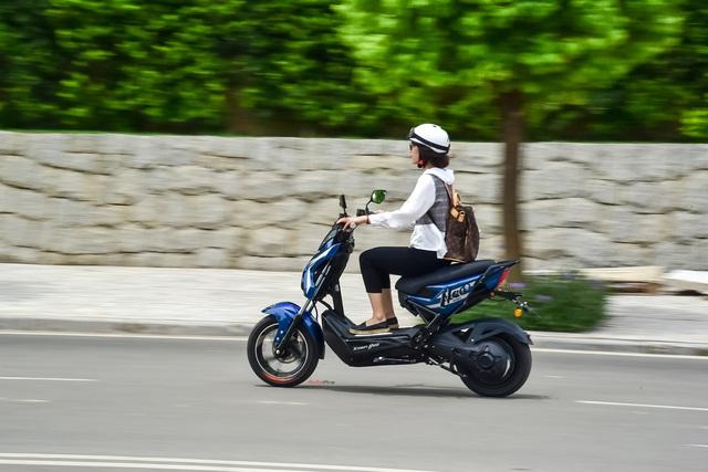 Đánh giá Yadea Xmen Neo - Xe máy điện cho học sinh thành thị - Ảnh 11.