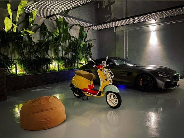 Doanh nhân Nguyễn Quốc Cường sắm Vespa hàng hiếm màu lạ, trưng bày cùng bộ sưu tập siêu xe hoành tráng tại nhà - Ảnh 1.