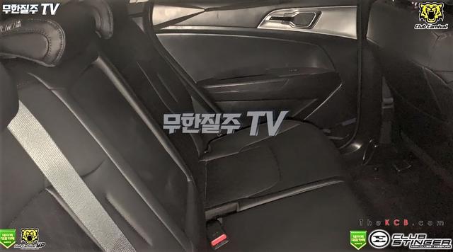 Kia Sportage thế hệ mới lần đầu lộ diện cả nội và ngoại thất: Thay đổi toàn diện để đấu Honda CR-V - Ảnh 6.