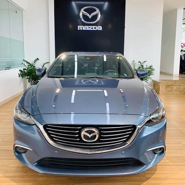Mazda6 'full option' bán xả kho giá gần 750 triệu, rẻ hơn cả trăm triệu đồng so với Mazda3 mới - Ảnh 1.