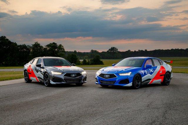 Acura TLX Type S phả hơi nóng lên BMW M340i và Mercedes-AMG C 43 - Ảnh 1.
