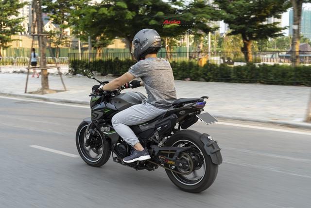 Tự độ xe tới quen bị cắt vào tay, ốc bắn vào mặt, tay chơi công nghệ đánh giá Kawasaki Z300: Hợp người lên đời từ xe côn tay 150cc - Ảnh 8.